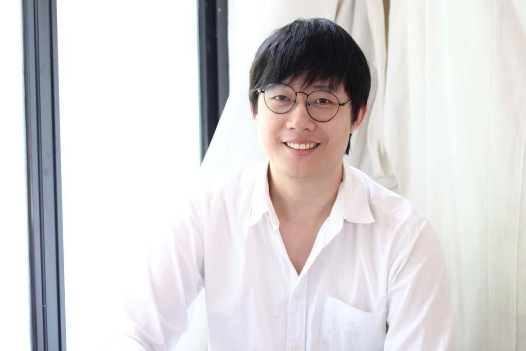 ซูม - กฤติน ปูชนียางกูร